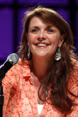 Amanda Tapping birthday