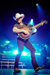 Justin Moore birthday