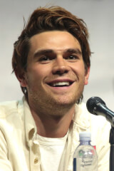 KJ Apa birthday