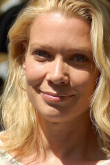 Laurie Holden birthday